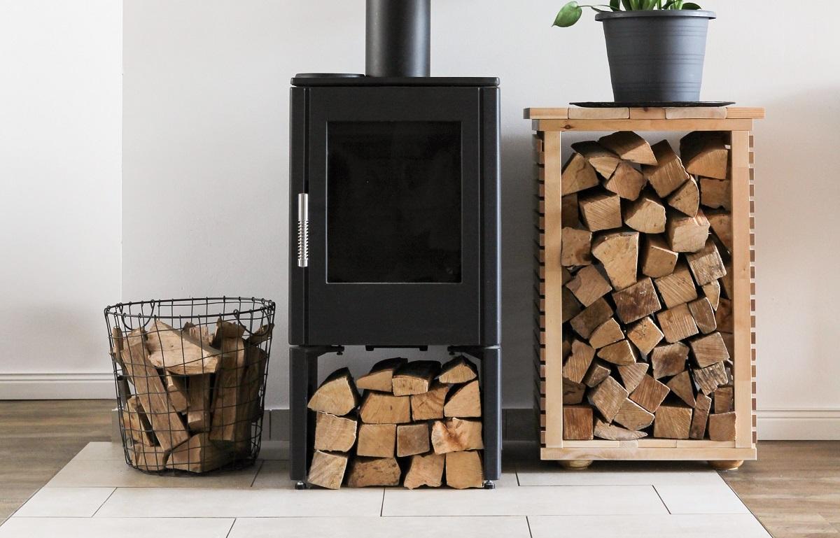 薪の含水率が低い方が熱発生の効率が良いのです。